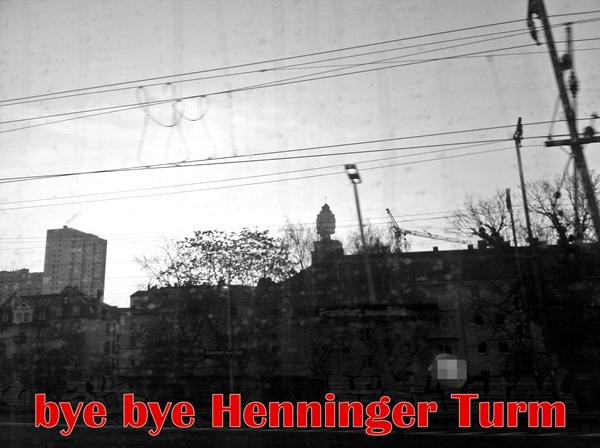Henninger_Turm_bw_schrift