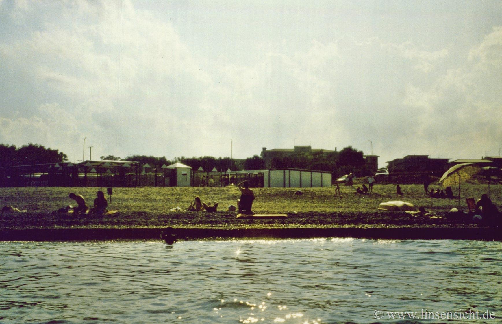 1995_beach3__agfa